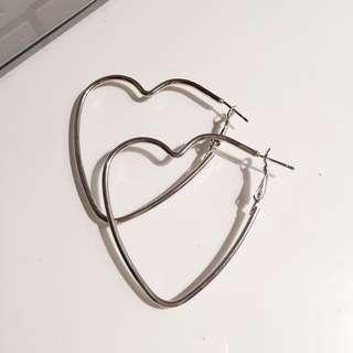 🚚 愛心耳環