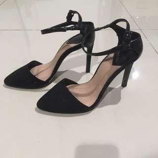 Stradivarius black heels
