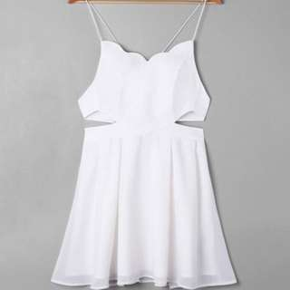 White backless scallop neck dress size S