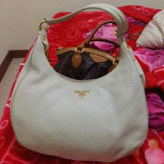 Almost New.. Prada Bag