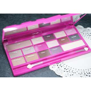 I Heart Makeup Chocolate Love Eyeshadow Palette Makeup Revolution 英國品牌 空運到港 全新 眼影 (包平郵)