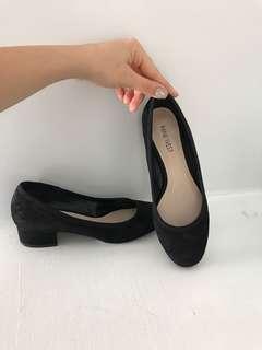 Amost new nine west shoe
