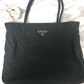 Prada classic nylon tote bag chanel.袋 手袋斜咩袋