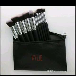 Kyliee brushh