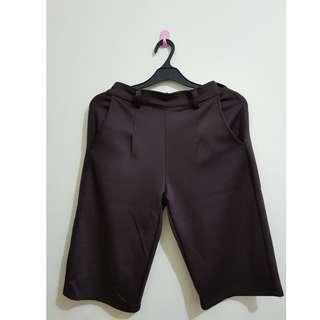 Celana Bahan Cokelat Pendek