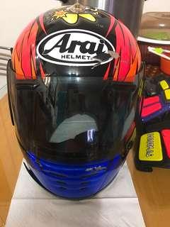 頭盔及手套