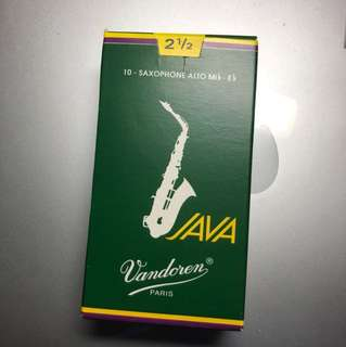 9 Vandoren JAVA reeds for 2 1/2 Alto Sax.