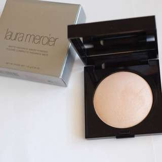 Laura Mercier matte radiance baked powder LM高光修容粉餅