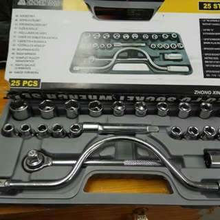 LARGE SOCKET WRENCH SET A
