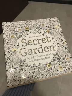 Secret Garden Colouring Book - Johanna Basford
