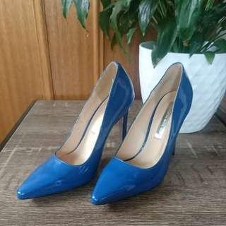 Wayne Cooper blue patent leather heels