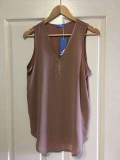 Valley girl caramel zip top