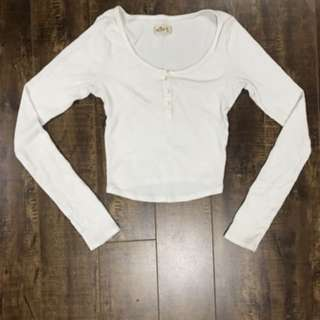 White long-sleeve crop top