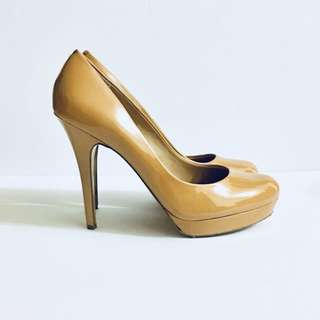 Arturo Chiang Nude/Brown Stiletto Pumps. Size 10 Patent Leather Heels