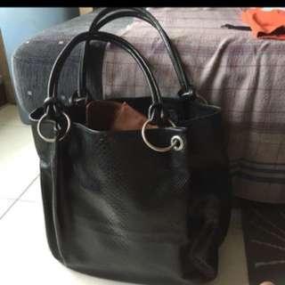 Large and light roomy bag