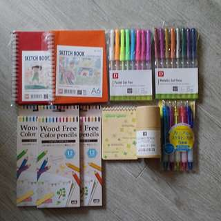 文具組合 木顏色筆 顏色筆 原子筆 畫簿 gel pen 等共10件
