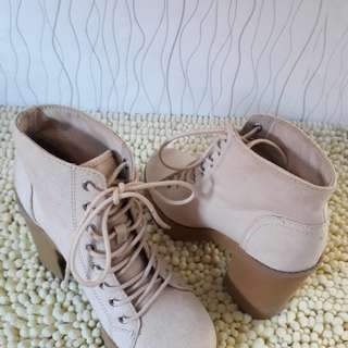 Lace Up Boots H&M