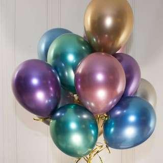 Chrome helium balloon bunch