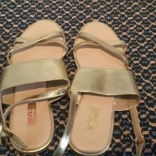S&H sandal