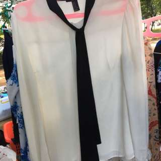 blouse white black