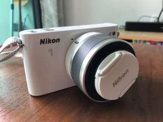 Nikon 1 J2 model double zoom kit