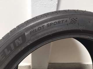 Michelin Pilot Sports 4 PS4 (75% thread left) 1 pcs only