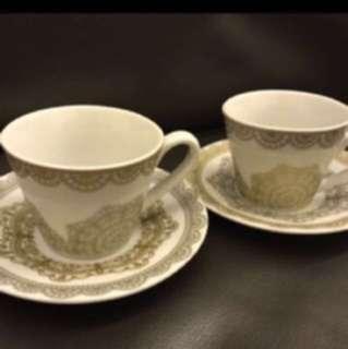 MADIA精美咖啡杯套裝 (如圖),現售$40。茘枝角交收,(其他地點,日期及時間互就)。