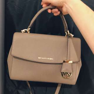Michael Kors Authentic Ava Saffiano Stachel