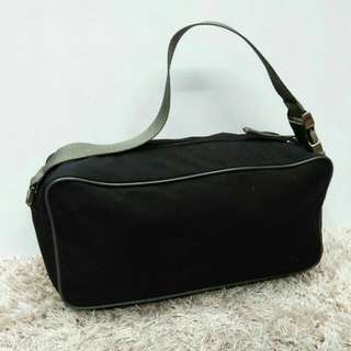 TAS PRADA SHOULDER BAG
