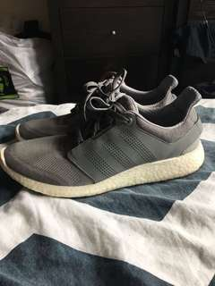 Men's Adidas Boost size 10 US