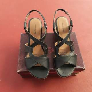 American eagle wedges sandals
