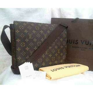 LV Messenger for Man