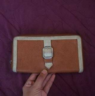Avon Pure Leather Wallet