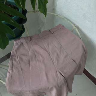 High-waisted nude pink short