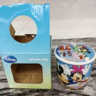 迪士尼正品陶瓷杯連蓋(贈品)