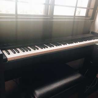 Korg LP 380 digital piano