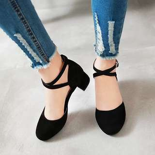 [IS] Black Chunky Heels 👠