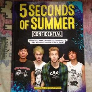 5sos book( 5 seconds of summer)
