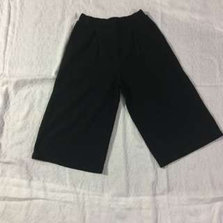 Black Cropped Culottes (Child Large)