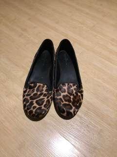 ORIGINAL Cole Haan Black leopard flats
