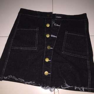 Black frayed denim skirt