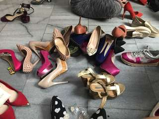 Bongkar sepatuuuu