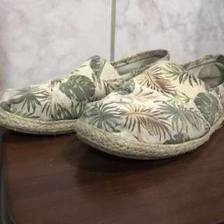 GU 草編平底休閒懶人鞋