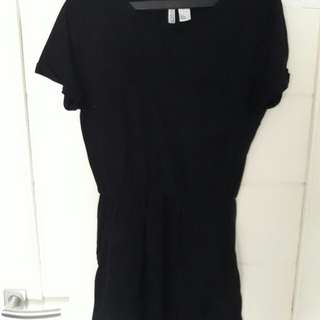 H&M Devided Black Dress Tee