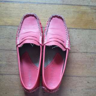 Shoebox Close Shoes