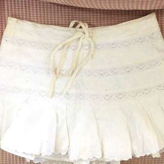 Authentic Guess White skirt