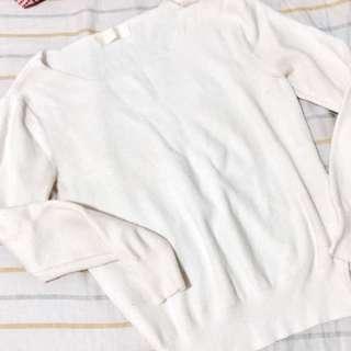 米白色針織上衣