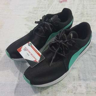 Legit Used Without Box Puma Haast Black White Light Green Size 11