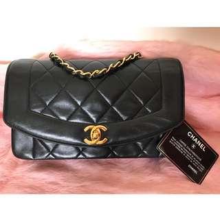 朵莉嚴選~ 100%保證正(真)品國際專櫃正品【Chanel Vintage】超美狀況佳~老香黛妃包(23cm)!!...值得擁有
