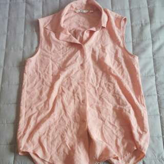 Uniqlo peach pink sleeveless top with collar
